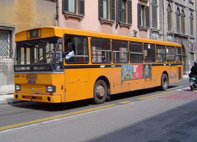 Trasporto gratuito per i più anziani con basso reddito